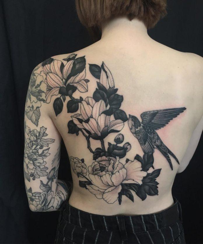 32 3 - Idées de Tatouage Fleur pour Femme (100 photos)