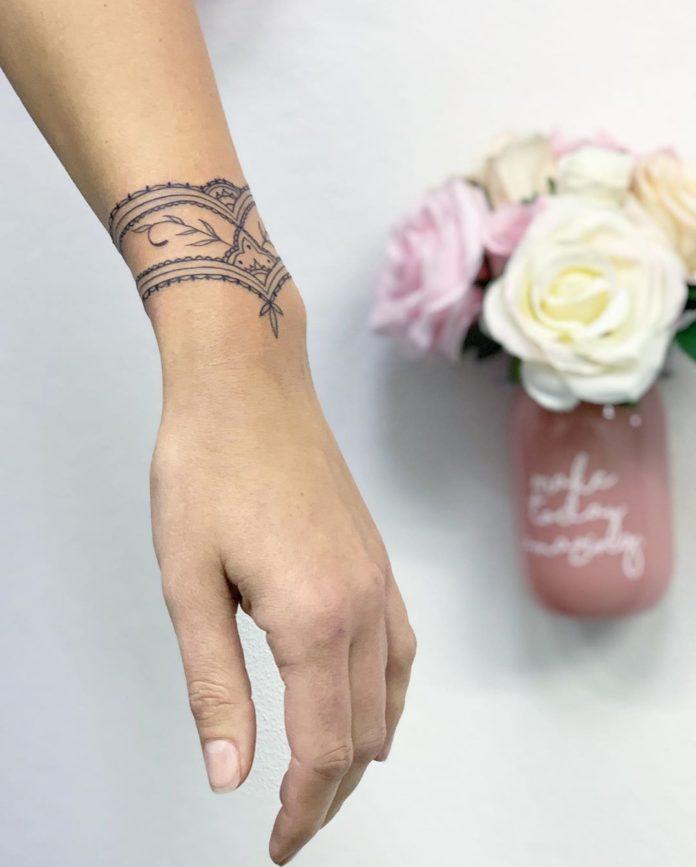 32 7 - 100 idées de Tatouages Bracelet pour Femme