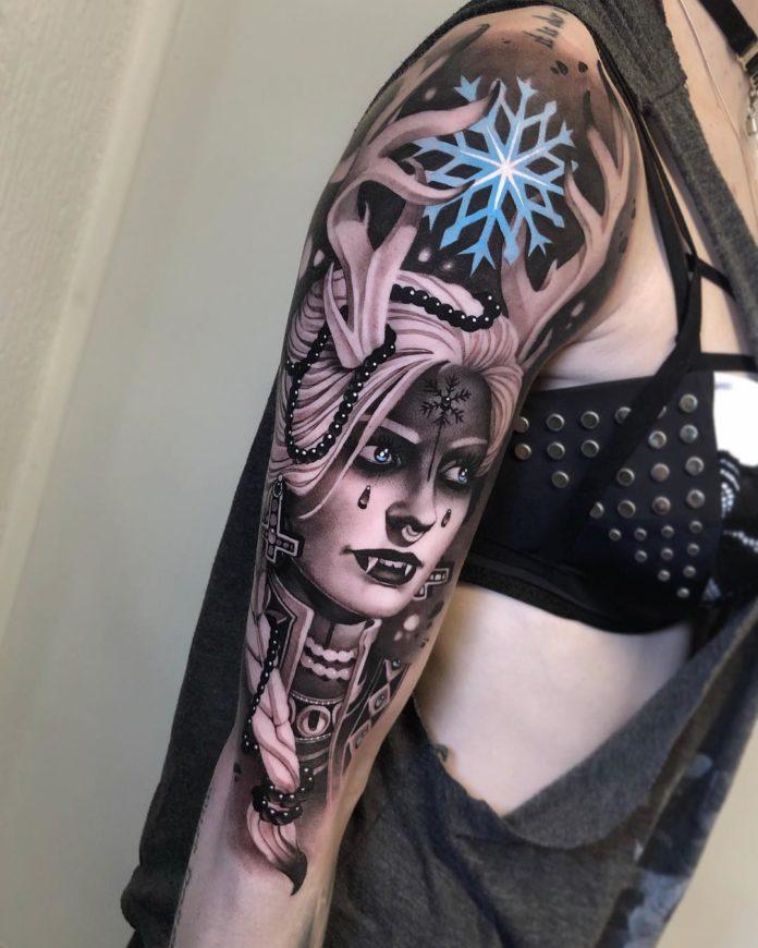 Tatouage de femme vampire