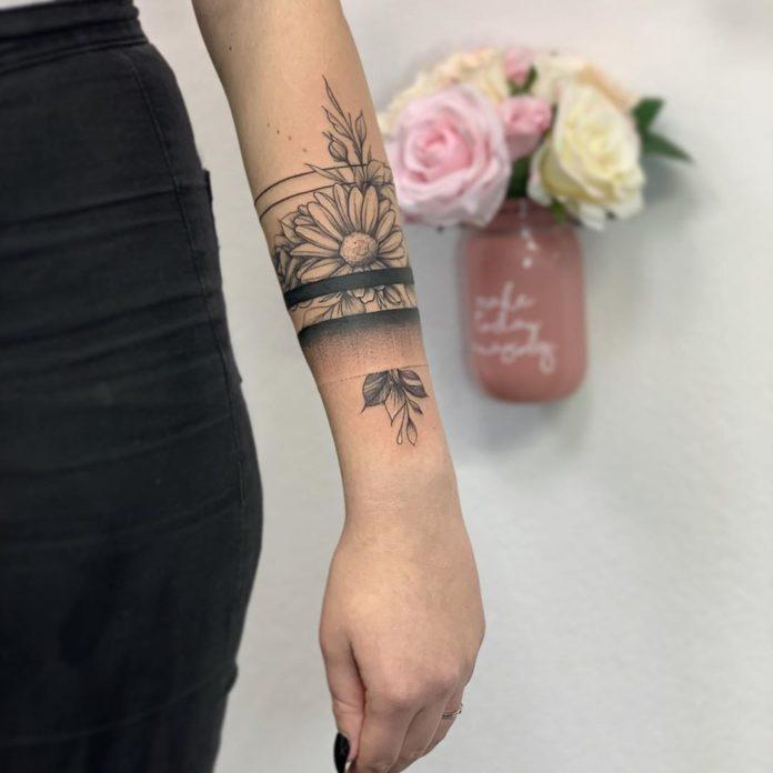 33 8 - 100 idées de Tatouages Bracelet pour Femme