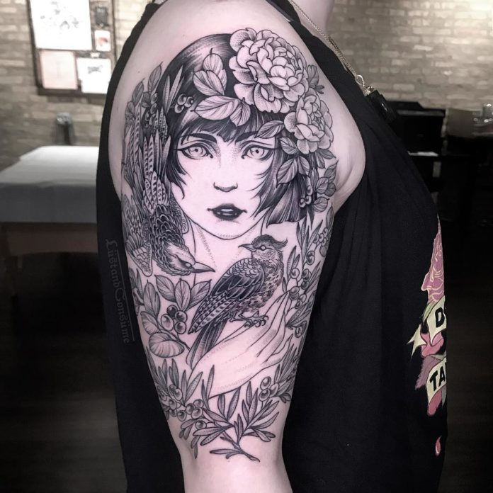 Tatouage de visage de femme + Phoenix