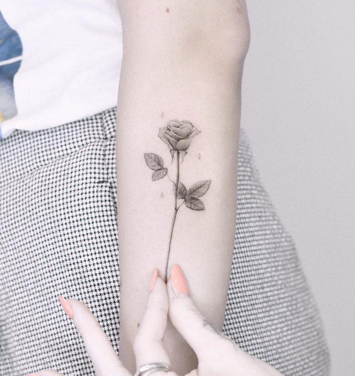 40 3 - Idées de Tatouage Fleur pour Femme (100 photos)
