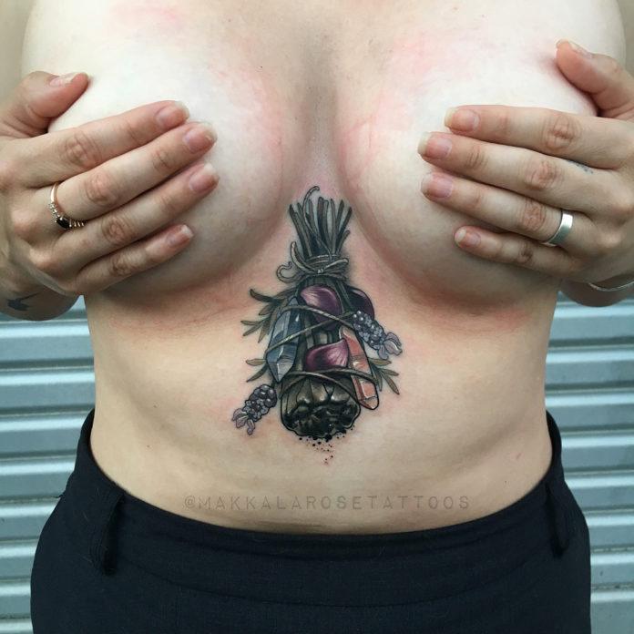 40 6 - 100 Tatouages Poitrine pour Femme