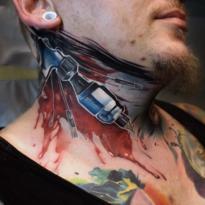 Tatouage d'une machine à tattoo