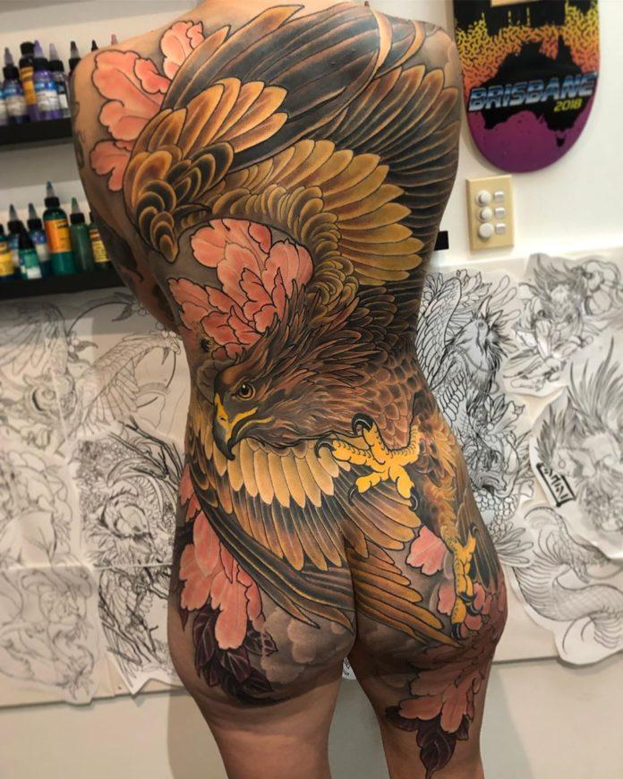 41 new 3 - 100 Magnifiques Tatouages Dos pour Femme