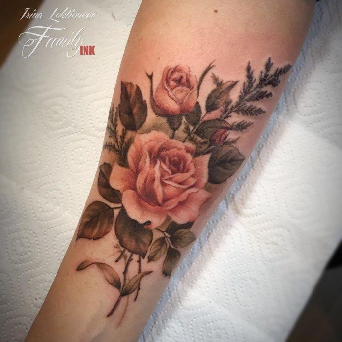 43 3 - Idées de Tatouage Fleur pour Femme (100 photos)