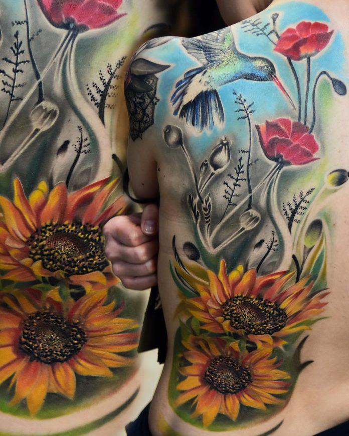 44 4 - Idées de Tatouage Fleur pour Femme (100 photos)