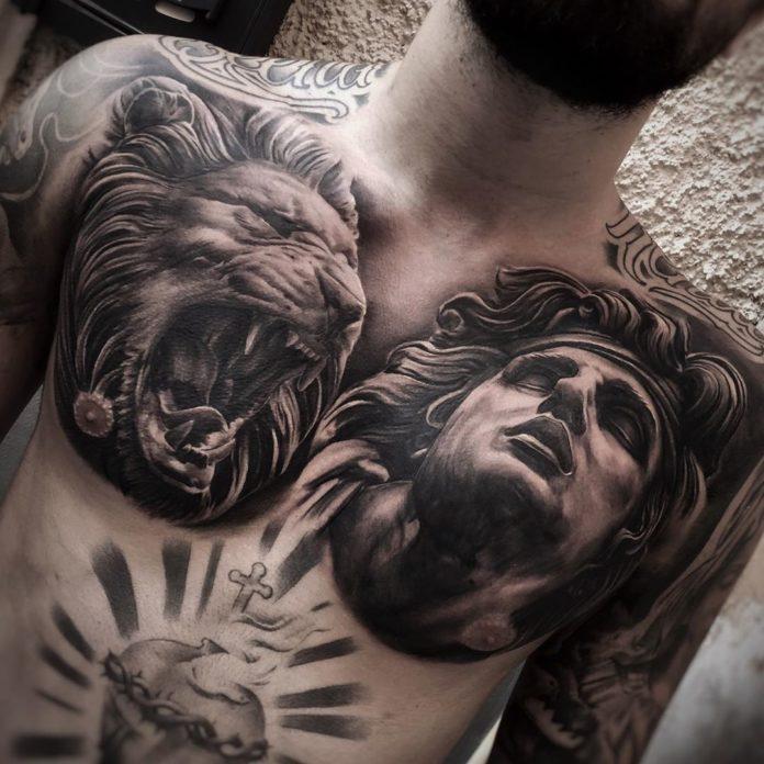 Tatouage de tête de lion + visage d'homme
