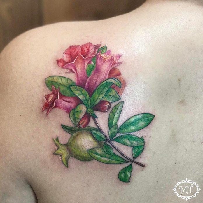 46 3 - Idées de Tatouage Fleur pour Femme (100 photos)