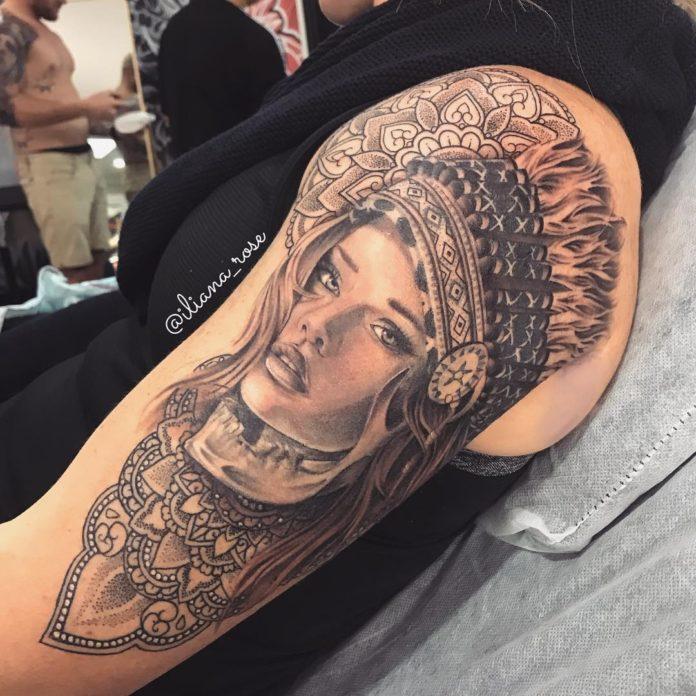Tatouage de visage de femme amérindienne