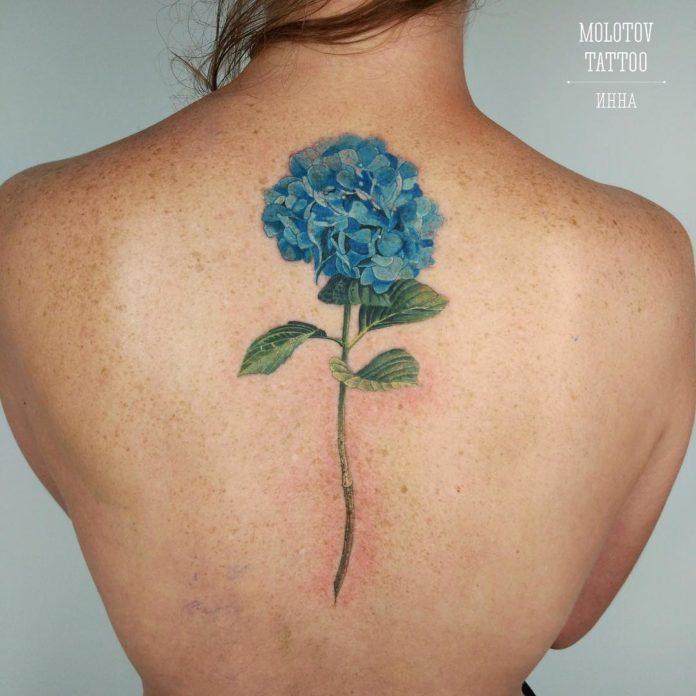 50 4 - Idées de Tatouage Fleur pour Femme (100 photos)