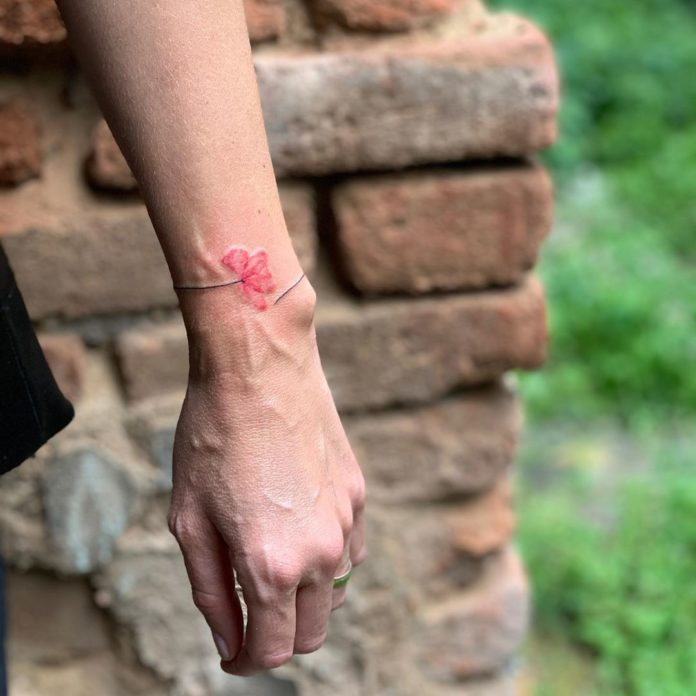 50 8 - 100 idées de Tatouages Bracelet pour Femme