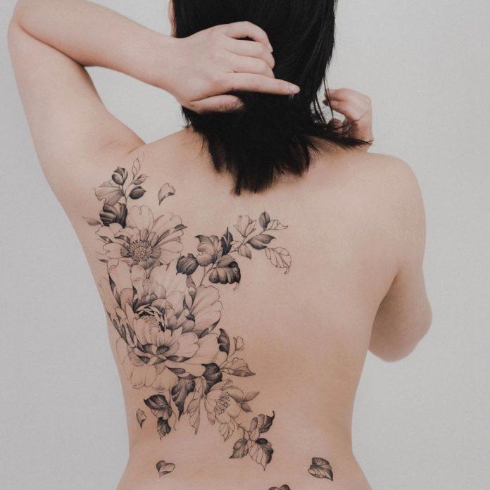 53 3 - Idées de Tatouage Fleur pour Femme (100 photos)