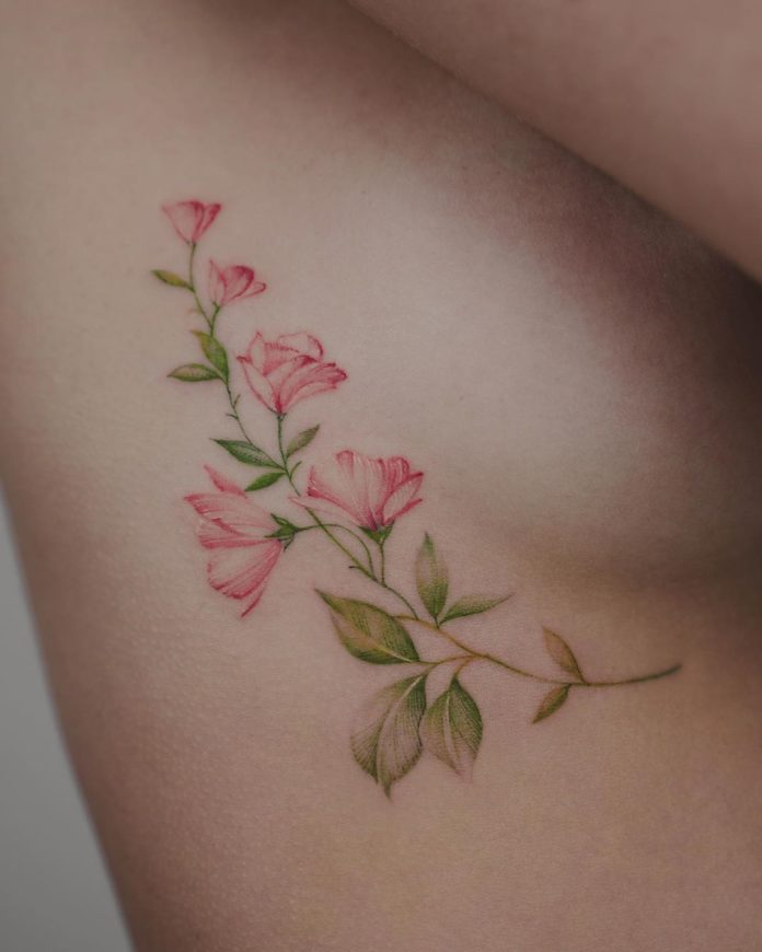 54 3 - Idées de Tatouage Fleur pour Femme (100 photos)