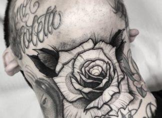 Tatouage d'une rose blanche