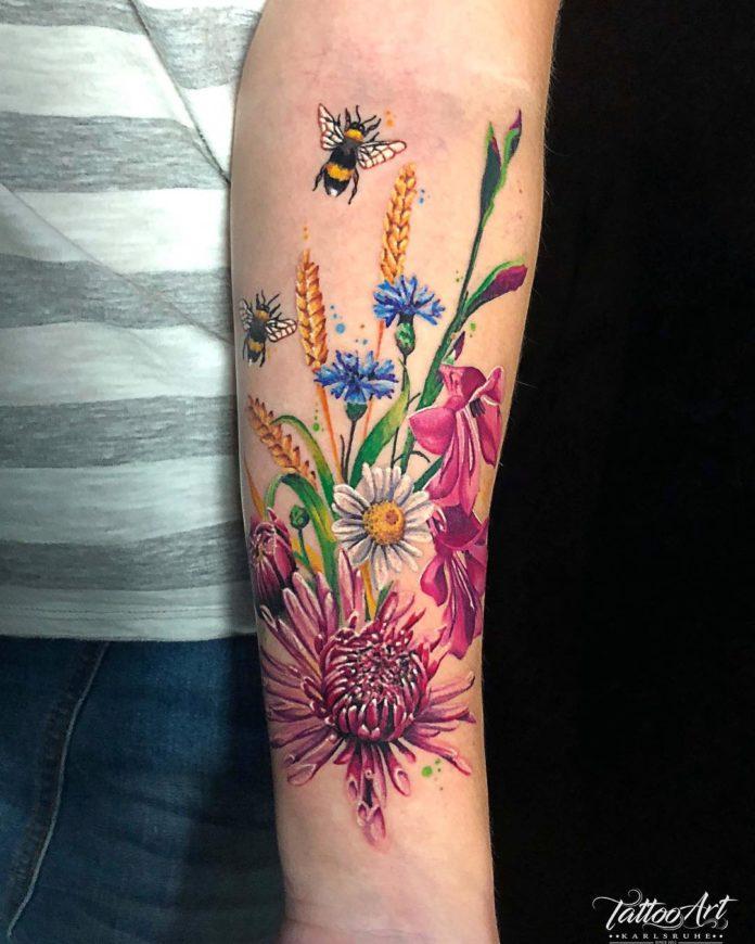 60 3 - Idées de Tatouage Fleur pour Femme (100 photos)