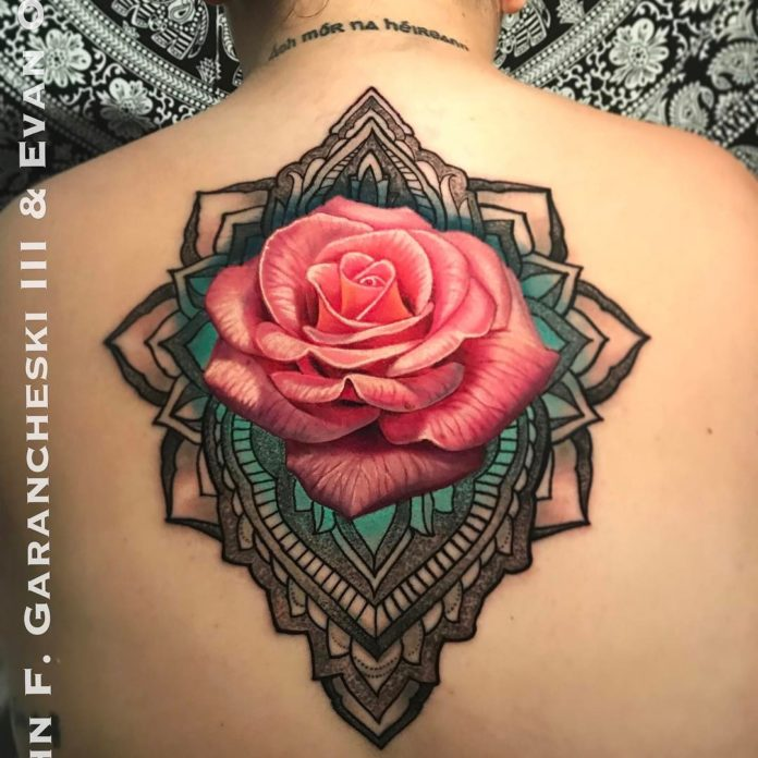64 3 - Idées de Tatouage Fleur pour Femme (100 photos)