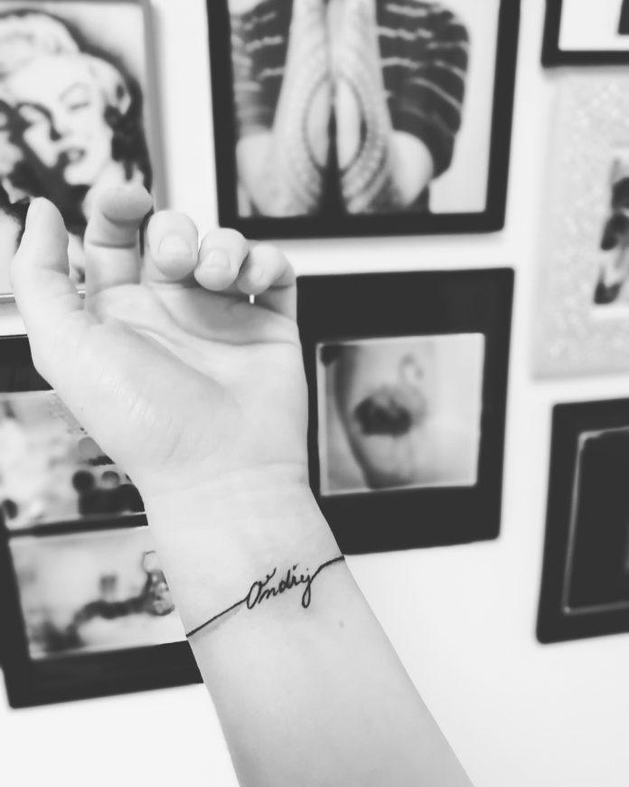 68 7 - 100 idées de Tatouages Bracelet pour Femme