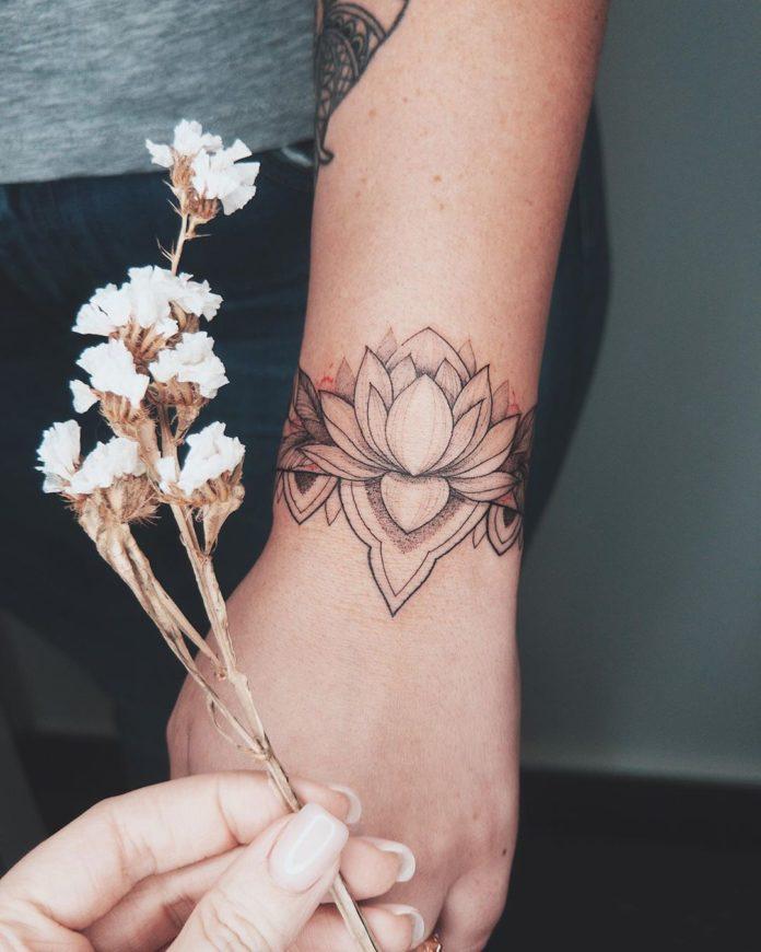 69 7 - 100 idées de Tatouages Bracelet pour Femme