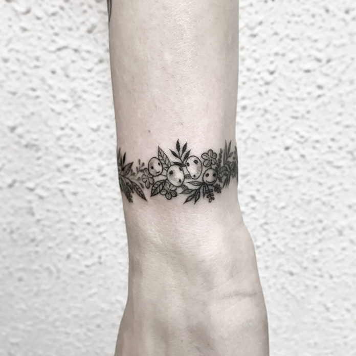 7 7 - 100 idées de Tatouages Bracelet pour Femme