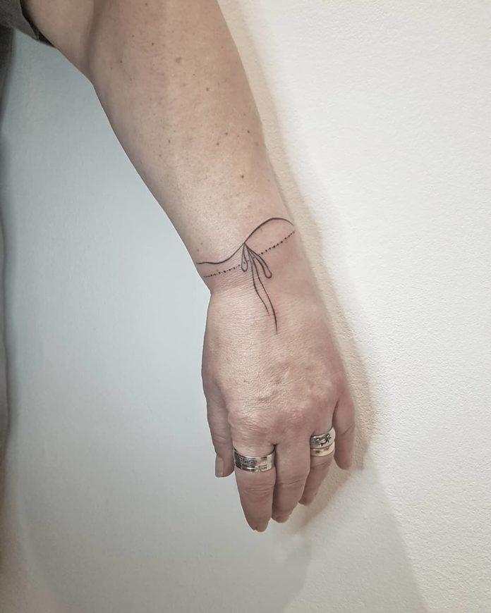 72 8 - 100 idées de Tatouages Bracelet pour Femme