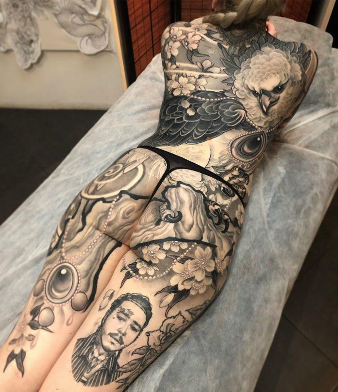 73 new 1 - 100 Magnifiques Tatouages Dos pour Femme