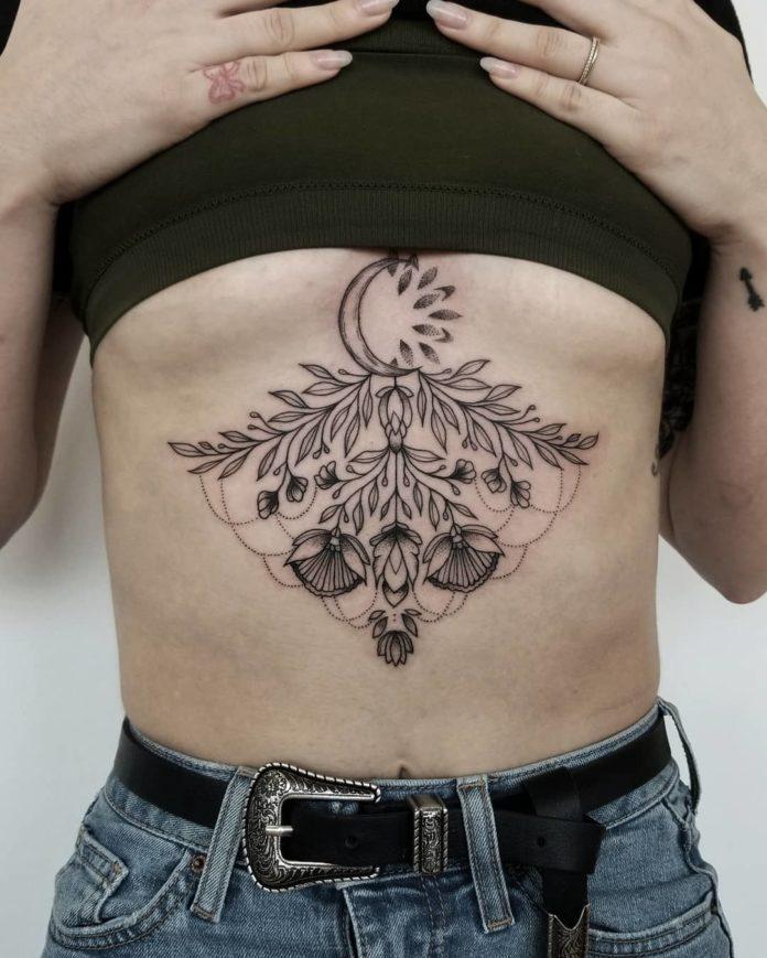 Composition de tatoo de pièce florale