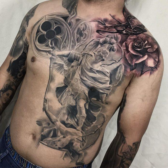 79 4 - 100 Tatouages Torse Homme Inspirants