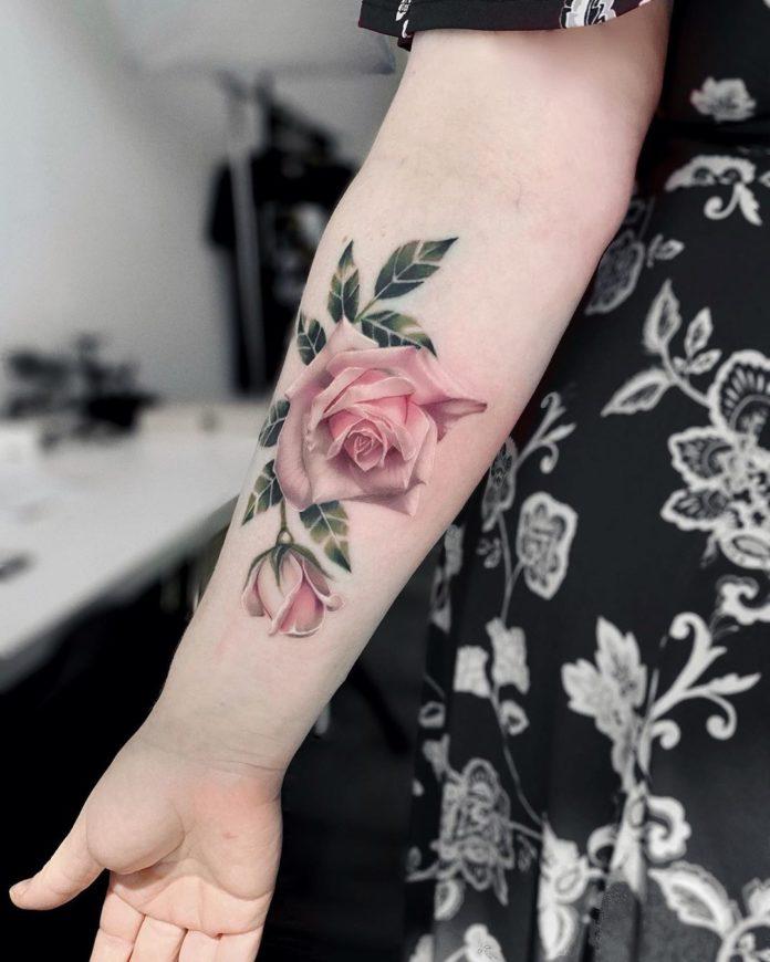 82 3 - Idées de Tatouage Fleur pour Femme (100 photos)