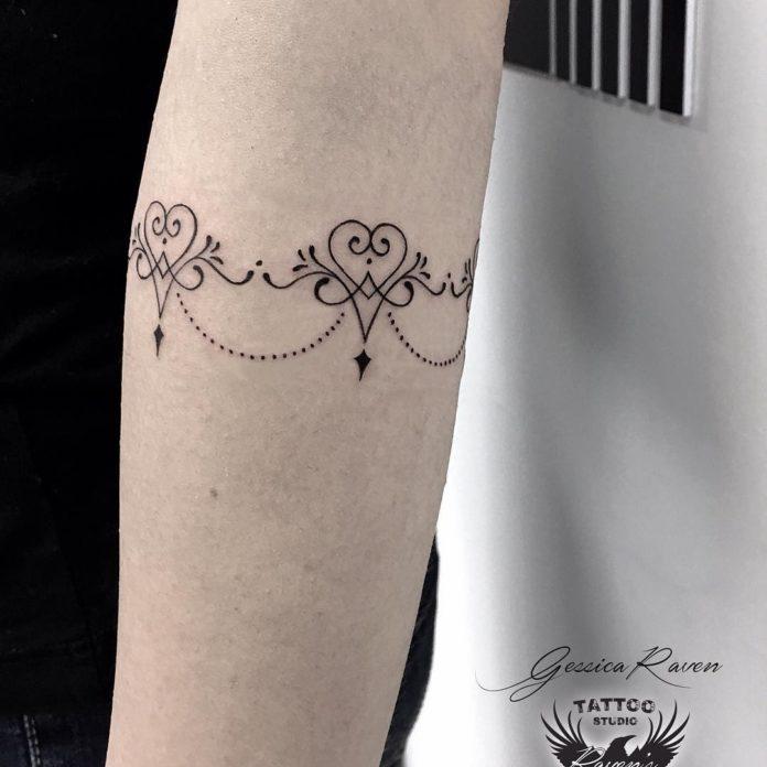 84 7 - 100 idées de Tatouages Bracelet pour Femme