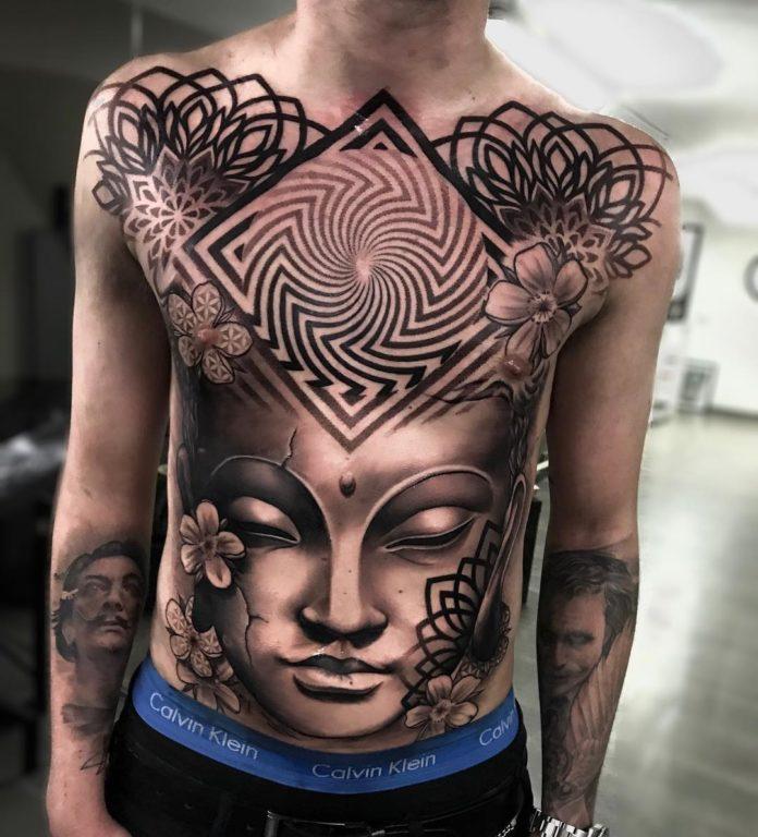 Tatouage de mandala fleur + forme géométrique + visage de femme