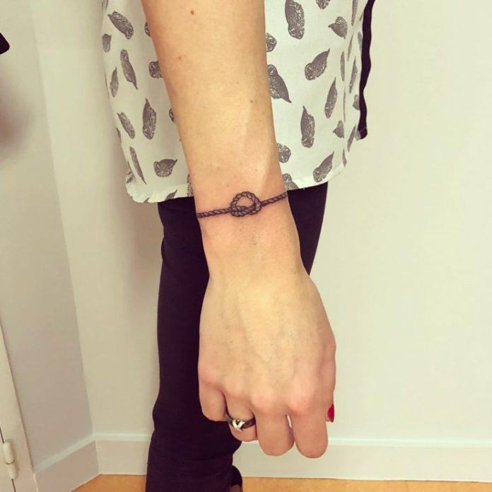 89 8 - 100 idées de Tatouages Bracelet pour Femme