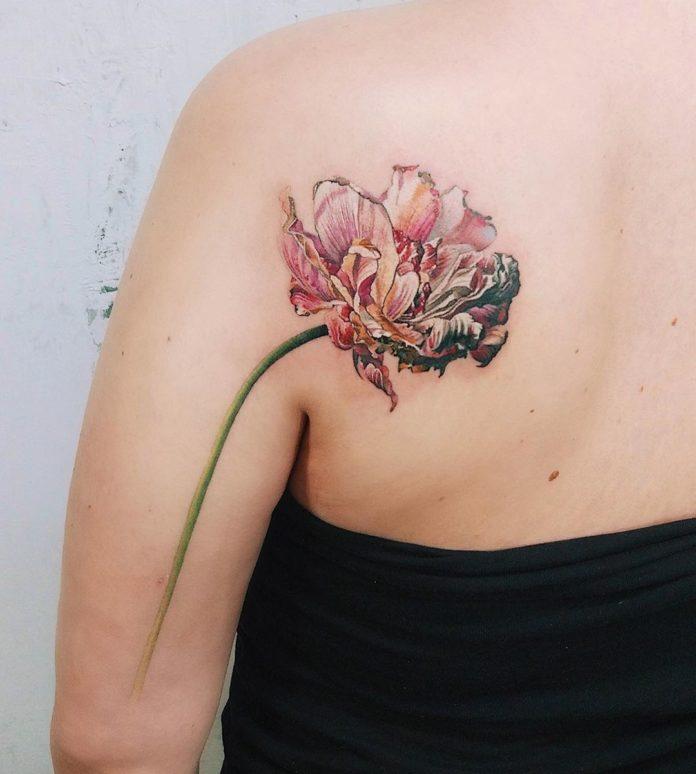 9 3 - Idées de Tatouage Fleur pour Femme (100 photos)