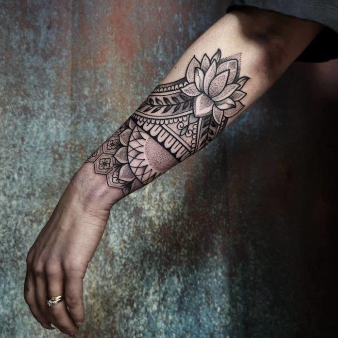 90 new 4 - Idées de Tatouage Fleur pour Femme (100 photos)