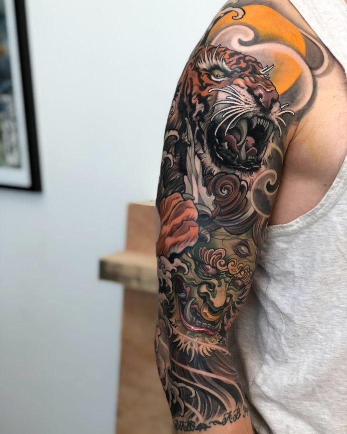 """Tatouage de style japonais de tigre et du créature du folklorejaponais """"Oni"""""""