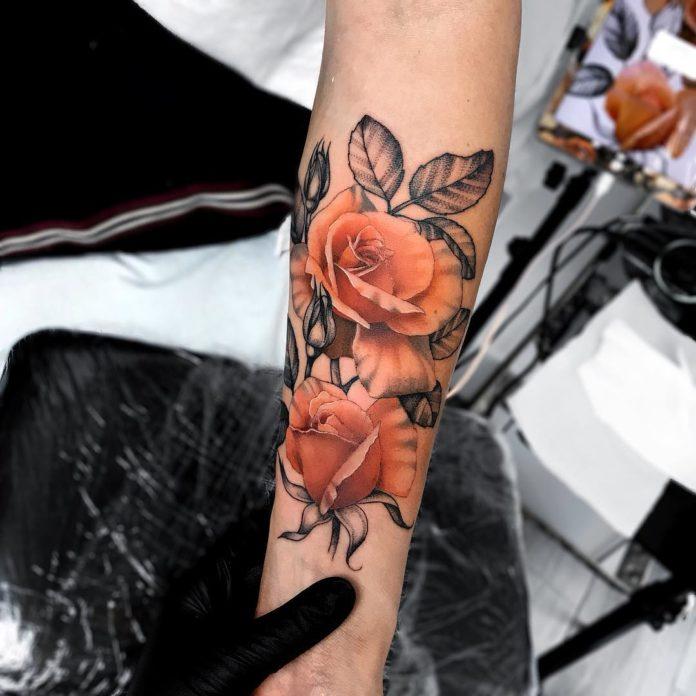 14 81 - 100 Tatouages Rose pour Femme