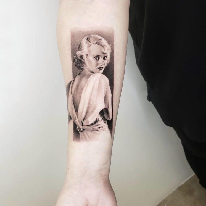 42 3 - 100 Tatouages Réaliste pour Femme fascinants
