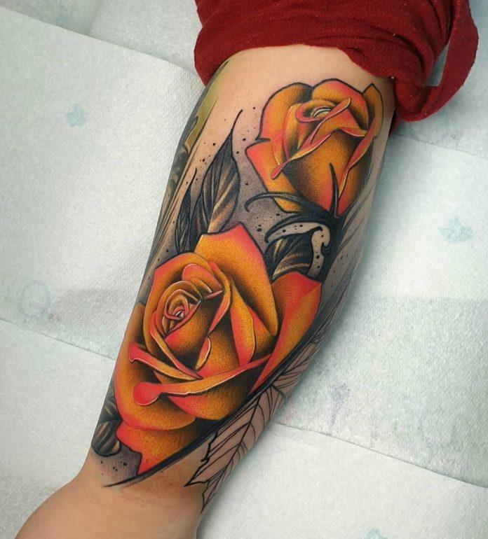 42 4 - 100 Tatouages Rose pour Femme