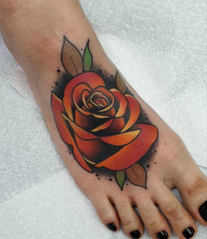 43 4 - 100 Tatouages Rose pour Femme