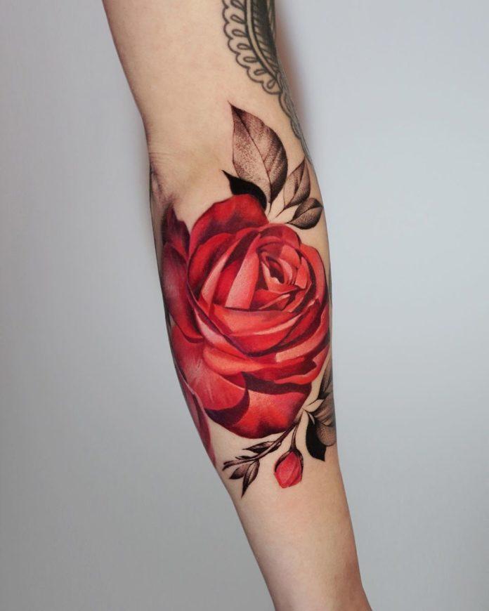 46 - 100 Tatouages Rose pour Femme