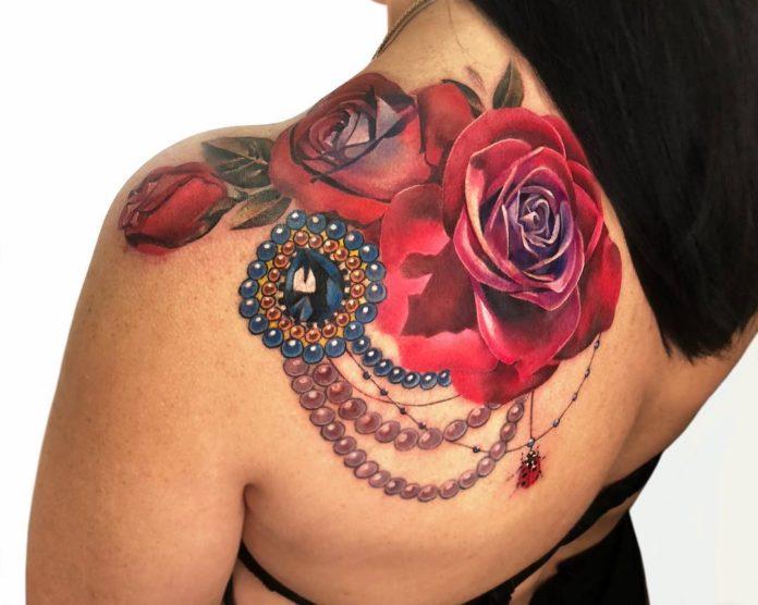 57 - 100 Tatouages Rose pour Femme