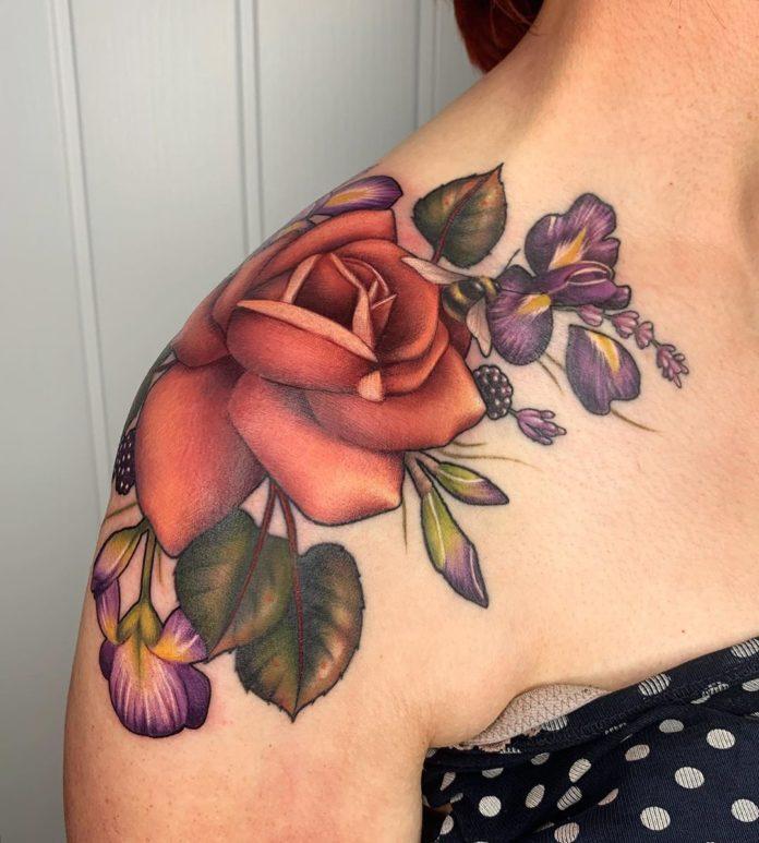 62 5 - 100 Tatouages Rose pour Femme