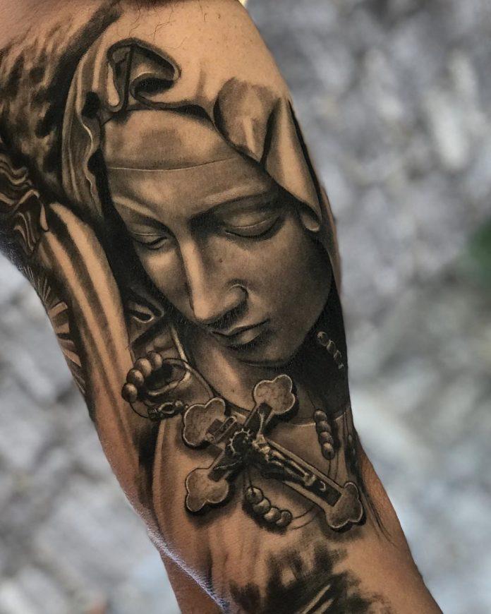 7 2 - 40 Tatouages Croix pour Homme