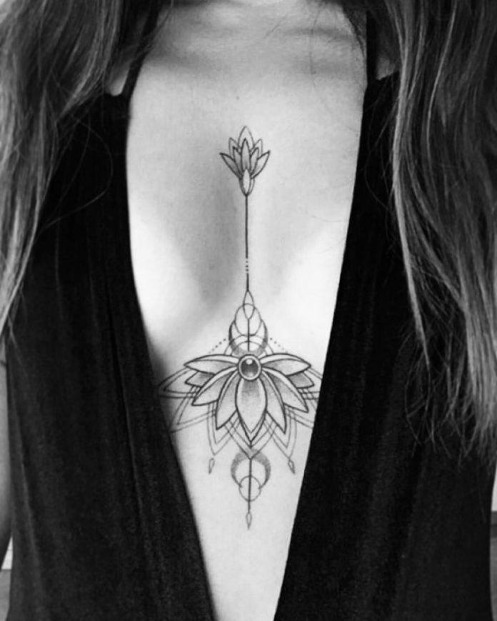 Tatouage de mandala en bijou