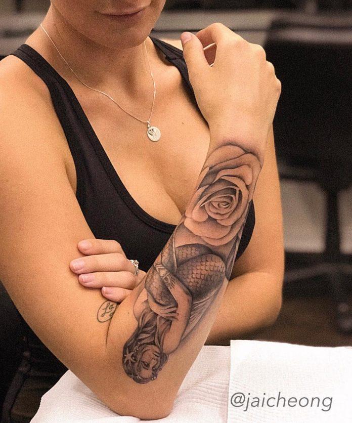 77 1 - 100 Tatouages Rose pour Femme