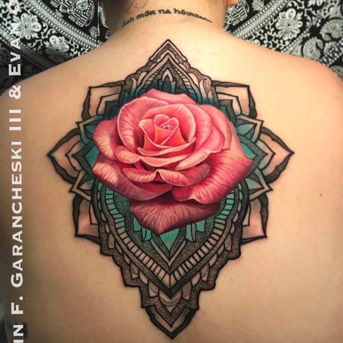 9 64 - 100 Tatouages Rose pour Femme