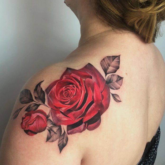 93 - 100 Tatouages Rose pour Femme