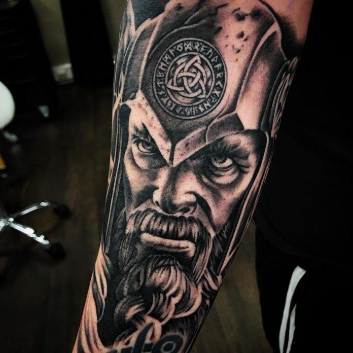 2 15 - 80 Tatouages Viking pour Homme
