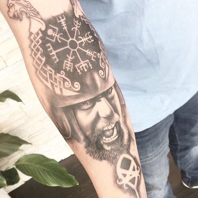 32 13 - 80 Tatouages Viking pour Homme