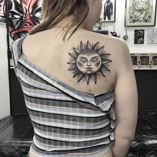 2 14 - 100 Tatouages Soleil